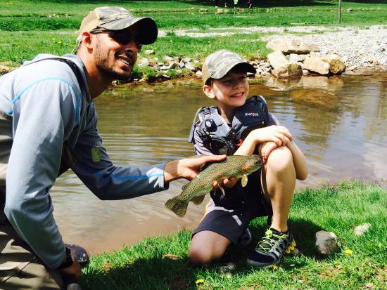 Elk Springs Resort: Take a kid fishing