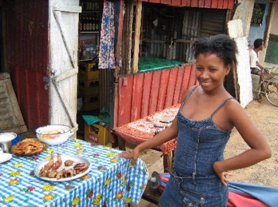 Mahajanga Province, Madagaskar: Breakfast in Mampikony