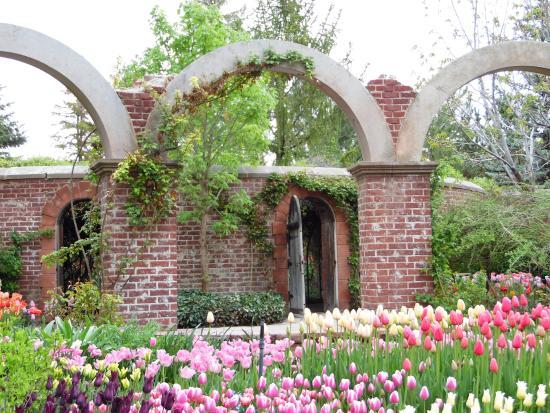 Lehi, UT: The secret garden