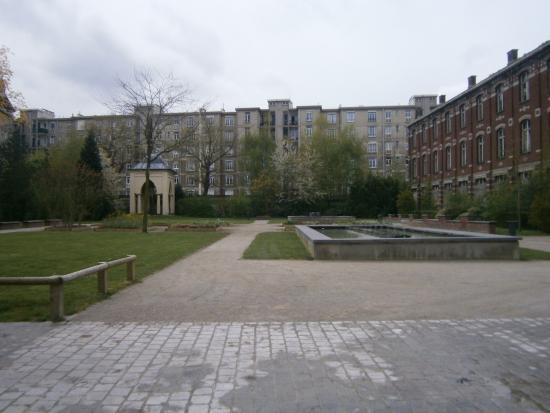 Tourcoing, Francia: La deuxième cour