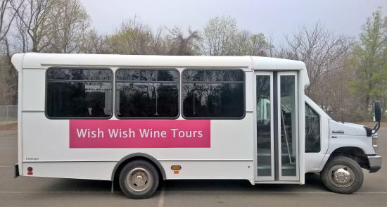 Шарлоттсвилль, Вирджиния: Wish Wish Wine Tours