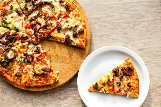 Lekki, Nigeria: Suya Pizza