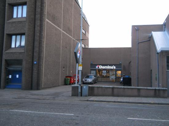 dominos em frente ao hotel picture of pentahotel inverness rh tripadvisor co uk