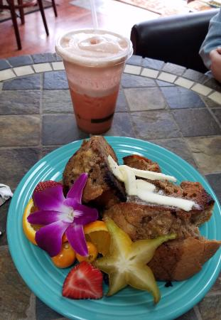 Merrimack, NH: Grilled banana muffin and strawberry smoothie