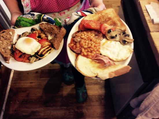 North Tawton, UK: Breakfast served all day!
