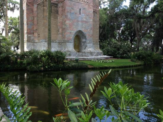 Bok tower gardens picture of bok tower gardens lake for Fish pond base