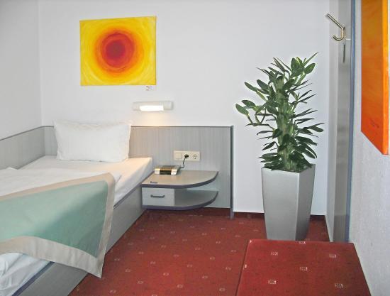 Hotel Port Inn: Einzelzimmer