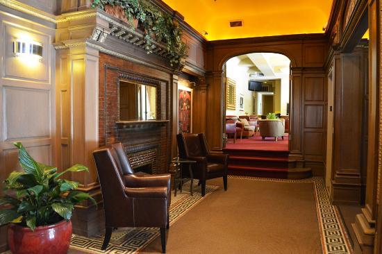 Alexander Inn: Lobby