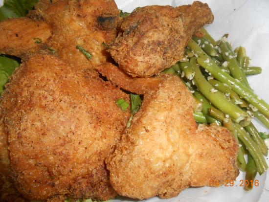 Bokeelia, Φλόριντα: fried chicken and green beans