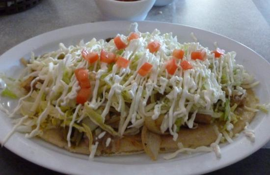 Otis Orchards, WA: Huarache con Pollo...