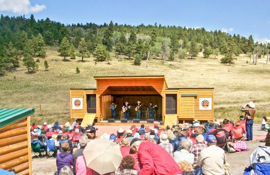 Alamosa, Колорадо: Fir Summit Amphitheater is accessible only by train for summer concerts