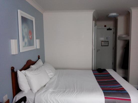 Travelodge Liverpool Aigburth The Room