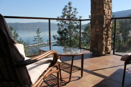 Lake Okanagan Resort Picture