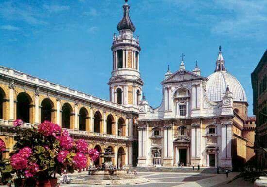 Province of Ancona, Italien: X tutti i camerieri G razzie ragazzi