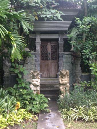 Lipa Noi, Tailandia: таинственные двери