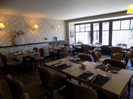 Restaurant Comte Roger The Inside