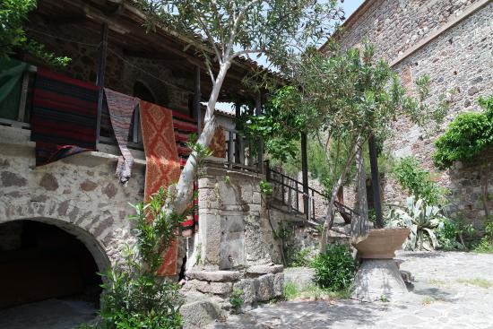 Kalloni, Hellas: Building in the monastery area