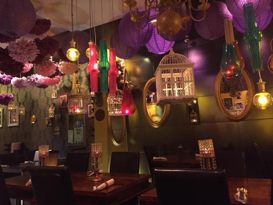 Buddha Republic: sehr stimmungsvolles Restaurant mit ausgezeichnetem Essen und zuvorkommender Bedienung.