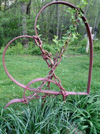 Scoops : Beautiful sculpture!