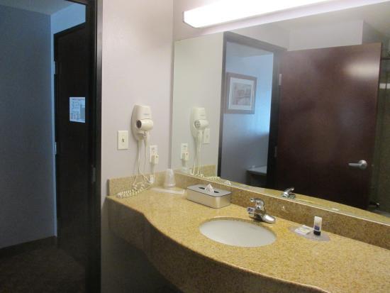 Harker Heights, TX: Bathroom