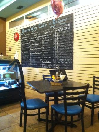 BreezeWay Cafe' & Bakery