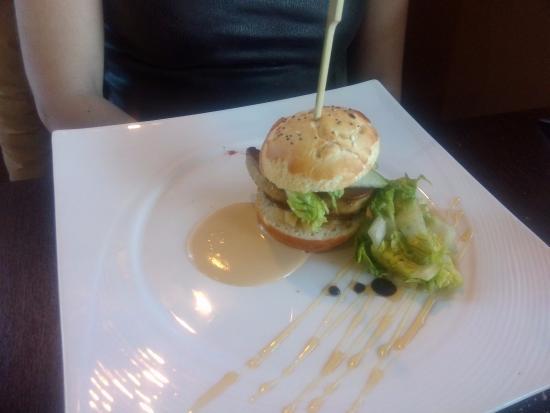 Saint-Laurent-de-Mure, Francia: Burger D'Escalope De Foie Gras