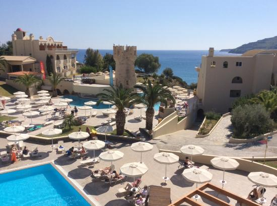 Lindos Royal Hotel: Vue sur piscine et mer, de notre chambre (1307)