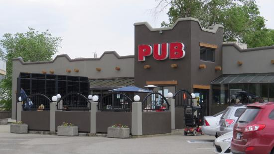 Sage Pub & Liquor Store : Exterior
