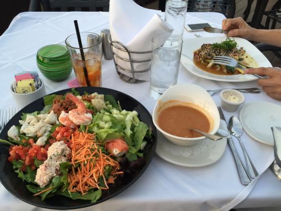 Peohe's: seafood salad