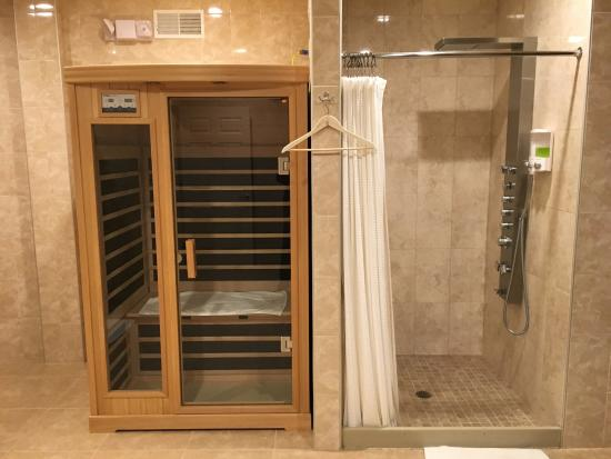 Fairport, NY: Sauna and Shower