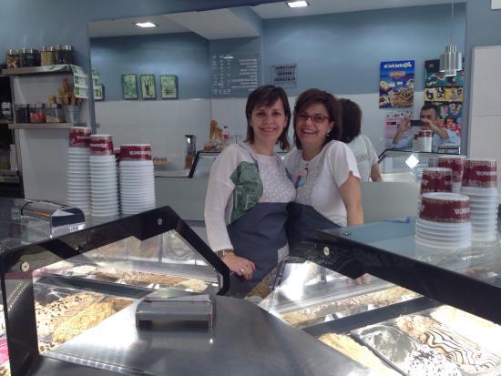 Osuna, España: Momentos en Heladeria los Valencianos