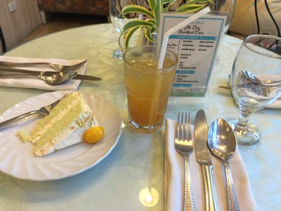 Mandaue, Filipinas: 케이크와아이스티