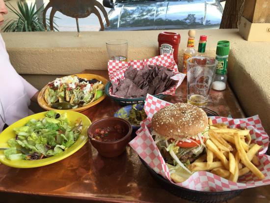 Oscar's Cafe: Fish tacos and Whoop Ass burger