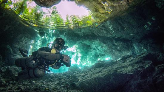 Divers UnderGround: Diving in cenote
