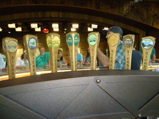 Mills River, Carolina del Nord: Beers on tap