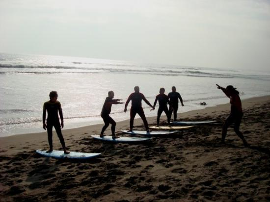 ‪Magic Chile International Surf School‬