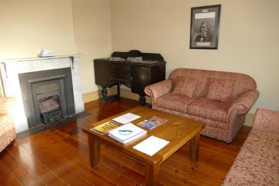 Cape du Couedic Lighthouse Keepers Heritage Accommodation: Lounge room