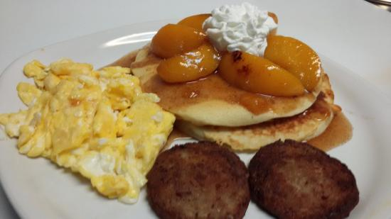 Flippin, AR: Mothers Day Peach Pancakes