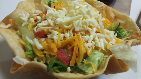 Flippin, AR: Classic Taco Salad