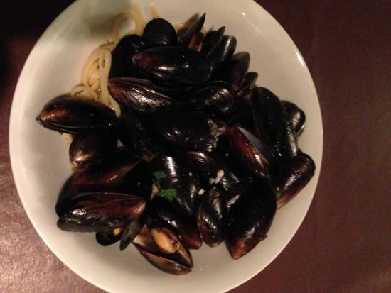 Chestertown, NY: Thai Curry Coconut Mussels