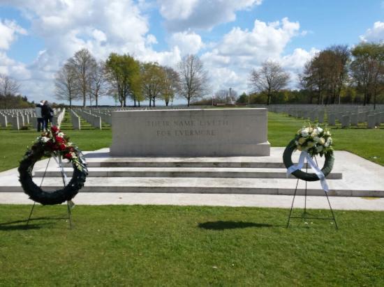 Groesbeek Canadian War Cemetery: 20160428_110528_large.jpg
