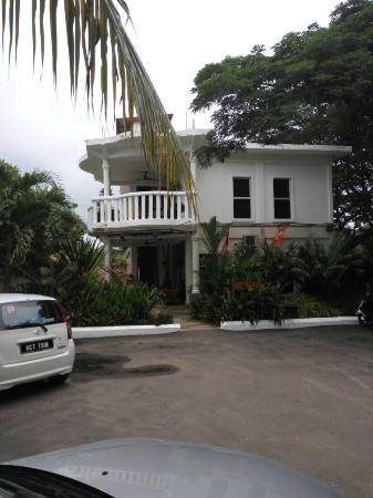White Lodge Motel: A hotel which surpassed my expectations for reasonable but we'll kept in Langkawi