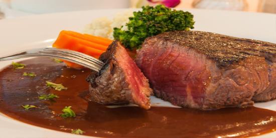 Karlssons Restaurant Patong: Australian tenderloin steaks