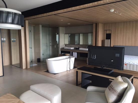 Royal tulip gunung geulis resort and golf junior suite room