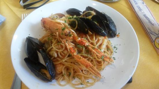 Spaghettis aux fruits de mer picture of pizzeria ristorante laguna blu bordighera tripadvisor - Spaghetti aux fruits de mer ...