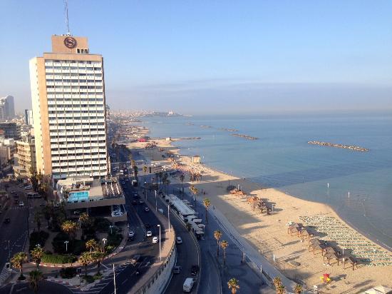 Renaissance Tel Aviv Hotel: Vista hacia el sur. Yafo en el fondo.