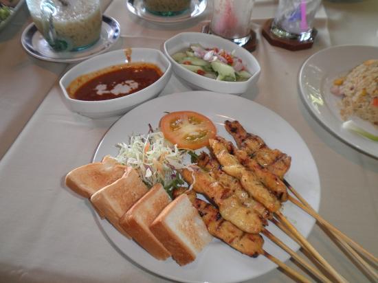 Good views & authentic Thai food