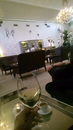 Nimb Hotel: Upstairs bar- very chic