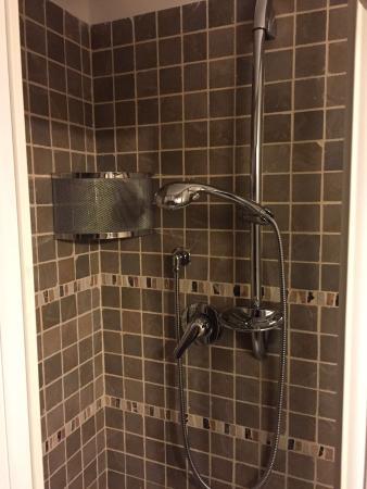 Particolare doccia-bagno/camera da letto - Foto di B&B Bel Poggio Di ...
