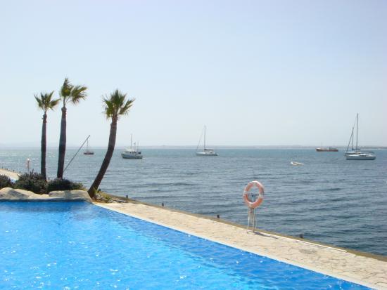 blick vom pool ins off shore bild von botel alcudiamar hotel port d 39 alc dia tripadvisor. Black Bedroom Furniture Sets. Home Design Ideas
